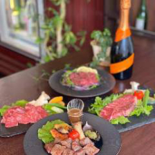 【2時間飲み放題付】新登場!絆の肉料理を堪能!『絆の肉満喫コース』4,300円(税込)[全6品]