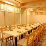 【テーブル席】 少人数~40名様迄ご利用可能な個室をご用意