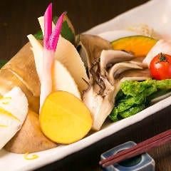 旬野菜の鉄板焼盛合せ <蒸し焼き>