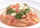 モッツァレラチーズとえびのトマトクリーム ~バジル風味~