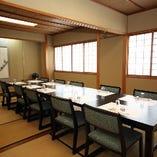 完全個室は全部で5つ。目的に応じて最大16名まで利用可能