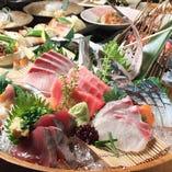コースには築地直送の鮮魚盛り。 存分にご堪能ください。