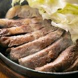 【看板料理】薩摩黒豚の鉄板焼き
