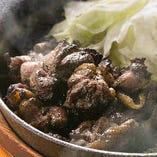 【看板料理】庭先地鶏の炭火焼き