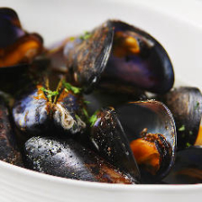 広島県宮島産ムール貝の白ワイン蒸し
