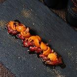 レアステーキと北海道産ウニ洋ワサビソース