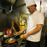 【本格インド料理】 本場シェフが創るカレーやタンドール料理をご堪能下さい