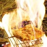 《土佐名物 藁焼き》高温で一気に焼き上げ旨味を凝縮します