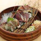 藁焼き塩たたき盛り合わせ(鰹・鰤・鯛)