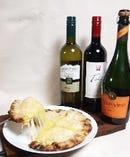空腹を満たすだけでなく、ワインのお供・おつまみとしても効果を発揮する当店のナンはオールラウンダーです。