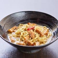 沖縄食材を使用した創作料理に舌鼓