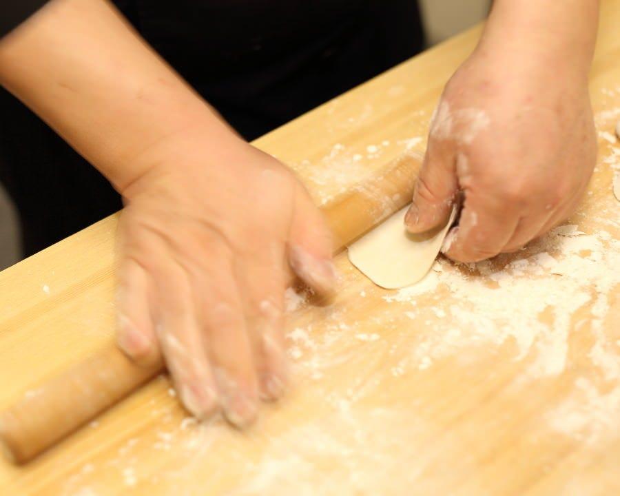 本場を知る料理人手作りの焼き餃子