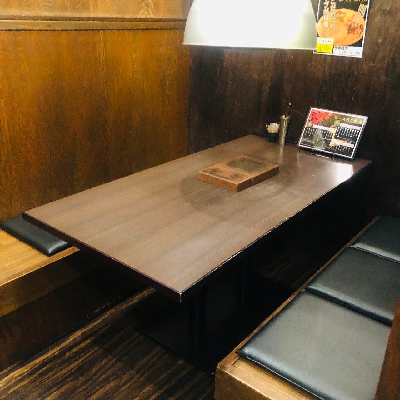 テーブル席・半個室・4名様~6名様