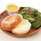 【ランチ】クリームチーズベーグルサンド