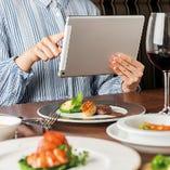 《サービス》オーダーはタブレット、料理はテーブルサービスで