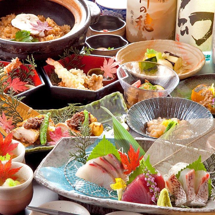 美味しい料理にお酒、それぞれ楽しめるコースが豊富