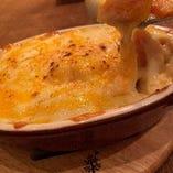 秋の味覚!季節野菜と3種のチーズのオーブン焼き