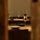 【至福のひととき】 シックな雰囲気の空間でお食事をご堪能あれ
