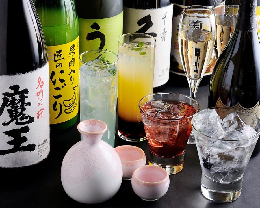 焼酎、日本酒、ワイン、シャンパン、サワー、等々メニュー多っ!