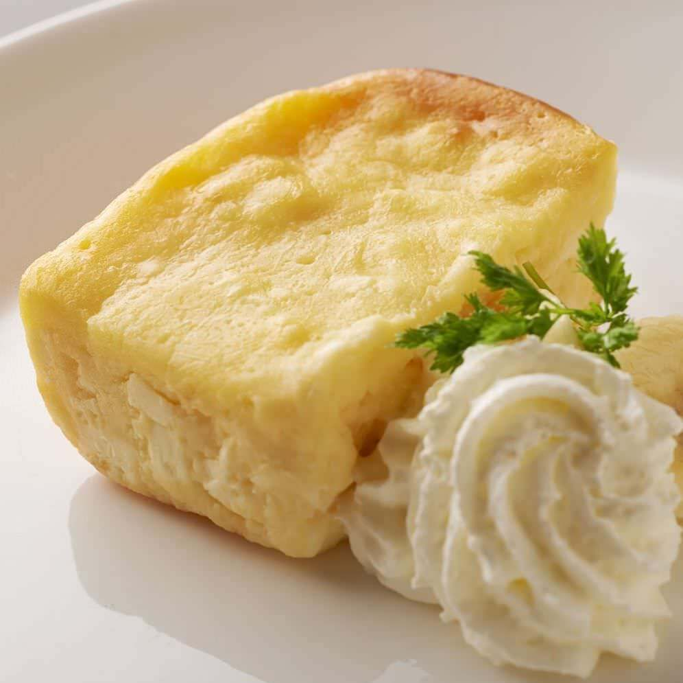 開店当初から大人気!つぶつぶチーズケーキ。累計一万個以上販売