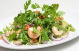 パクチーと海老のサラダ
