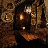 少人数さまの飲み会や女子会におすすめ ゆったり優雅なソファ席