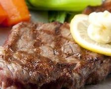 厳選された国産和牛のステーキ。