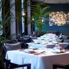 Restaurant RASPBERRY with MOON BAR