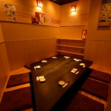 最大10名様まで対応の半個室完備。テーブル席も最大60名様迄対応