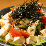 ヘルシー豆腐の和風サラダ