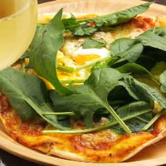 半熟卵のビスマルク ピッツァ