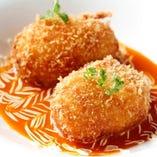 紅ズワイ蟹をふんだんに使用したクリームコロッケは女性に大人気