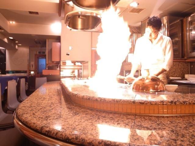 厚さ約3cm直火の鉄板で焼くステーキ