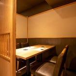 ゆったりと匠の技を堪能できる個室席