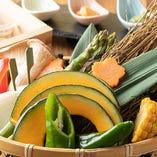 移りゆく旬の野菜は、みずみずしく、甘さや旨味が一味違います