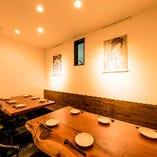 店内奥のテーブル席(~15名様)※7名様以上で個室利用可能