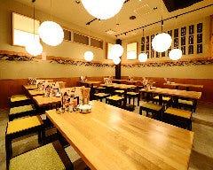 桜町テーブル カリヤトリトン