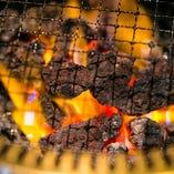 溶岩石で焼き上げるので、遠赤外線効果で中まで火が通る!