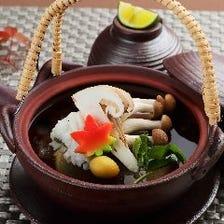 プラス500円で、「松茸の土瓶蒸し」に変更できます。