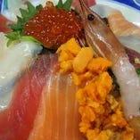 【1日限定10食】海の幸てんこ盛りの海宝丼
