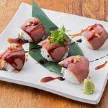 牛イチボ肉のローストビーフ 手まり寿司