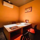 情緒溢れる和空間の完全個室。掘り炬燵なのでゆったり宴会も可能。最大20名様可能
