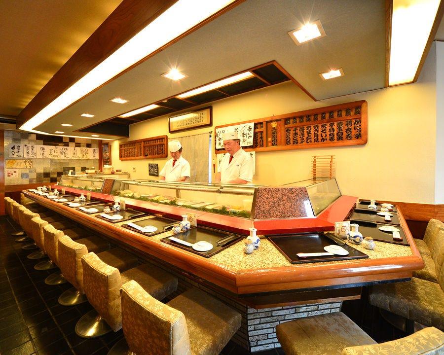 創業100年の老舗寿司店