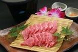 魚だけではありませんよ。。。 佐伯牛の陶板焼き!2451円