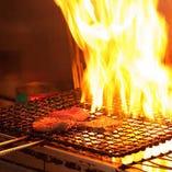 魚枡で本格炭火焼きメニューを提供しているのは『はなれ』だけ