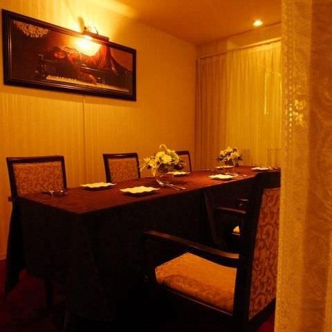 テーブル席・半個室・10名様まで