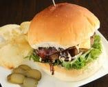 大人気のBondバーガー:750円 リニューアルして更に美味しく!