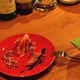 つまみ肉皿