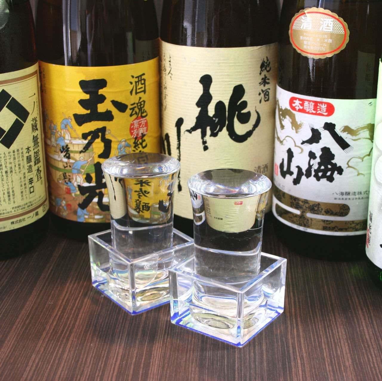 全国から取り寄せたこだわりの日本酒