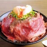 自家製温玉ロービー丼セット(ライス/サラダバー/スープバー付)